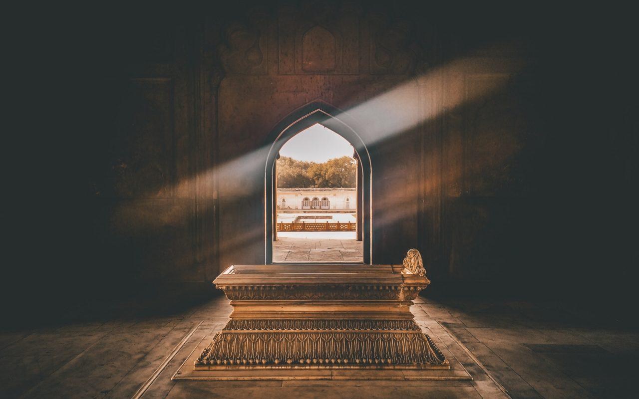 ancient-architecture-coffin-1007425.jpg